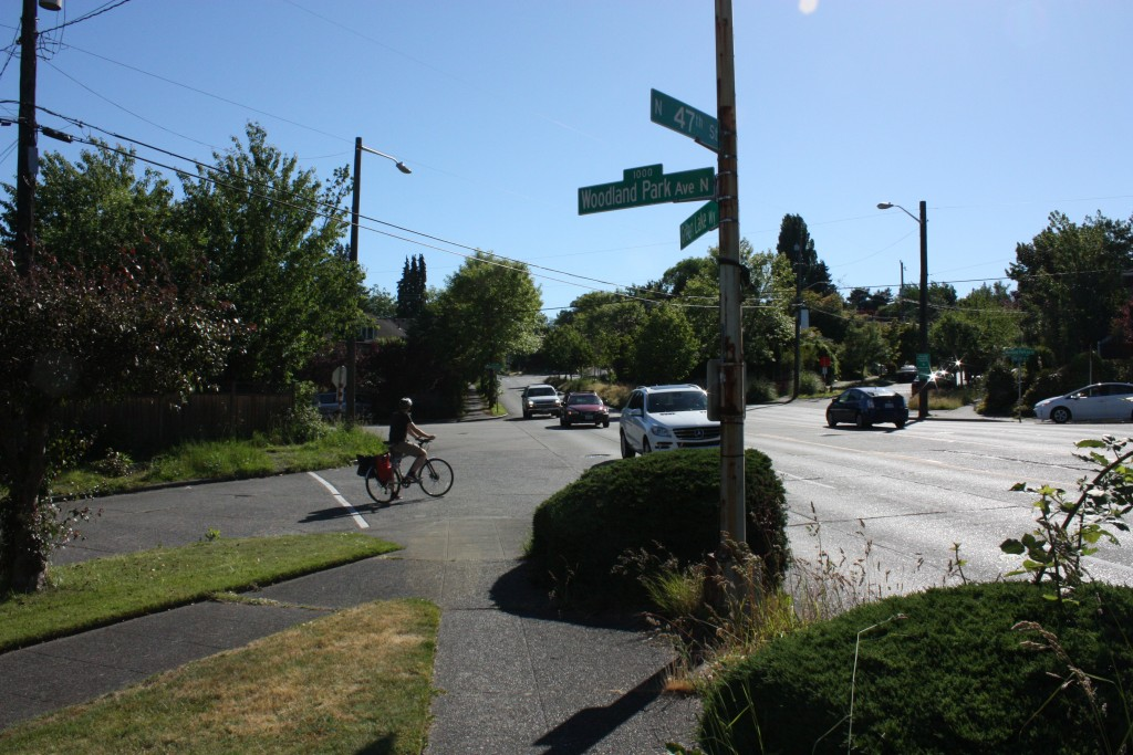 Something is going to have be down with the Woodland Park greenway's intersection with Green Lake Way. See suggestion 7 for a radical idea.